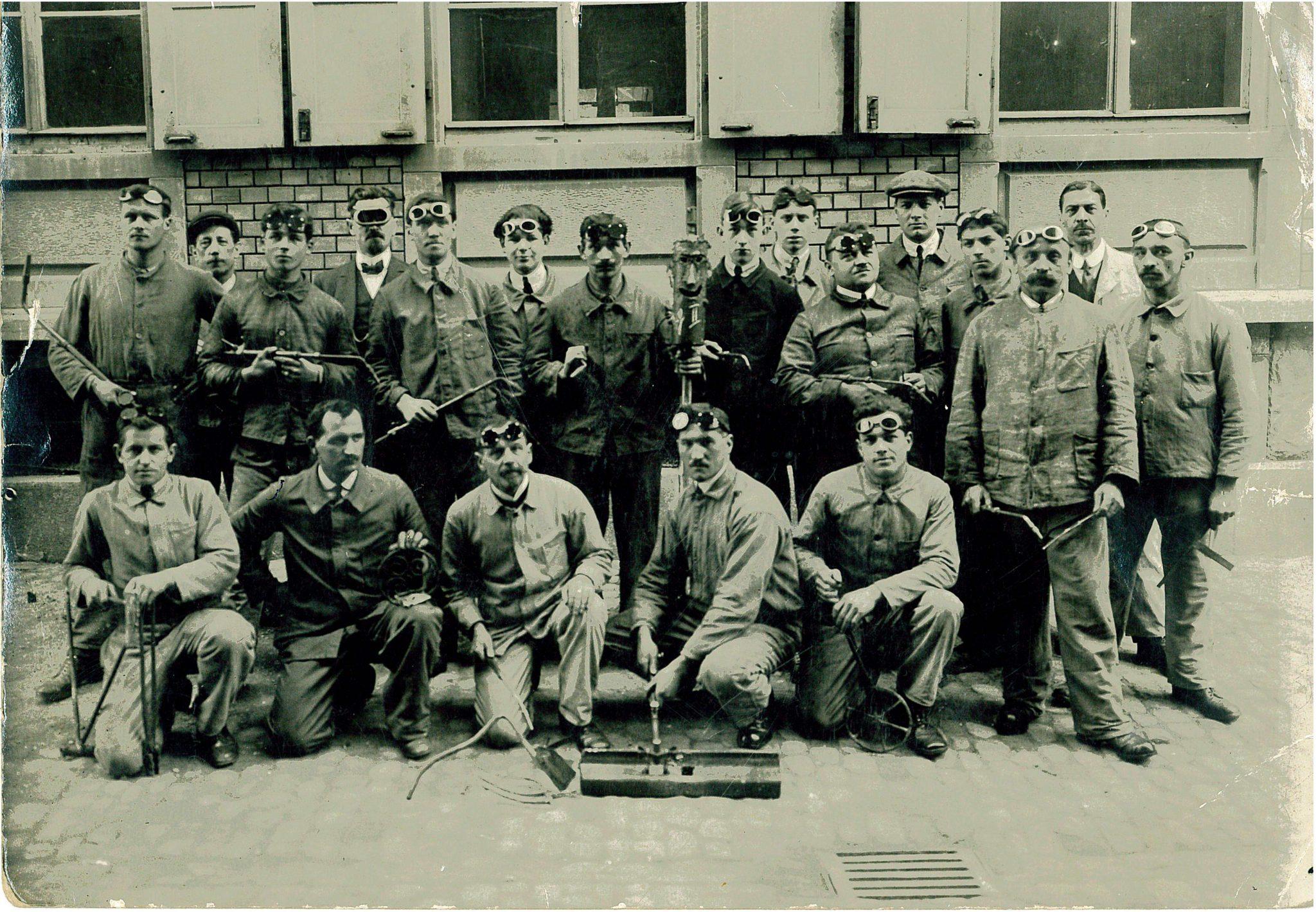 Gottlieb Tschudin (vorne, 2ter von links), 1935
